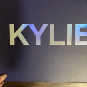 Kylies cosmetics BOX